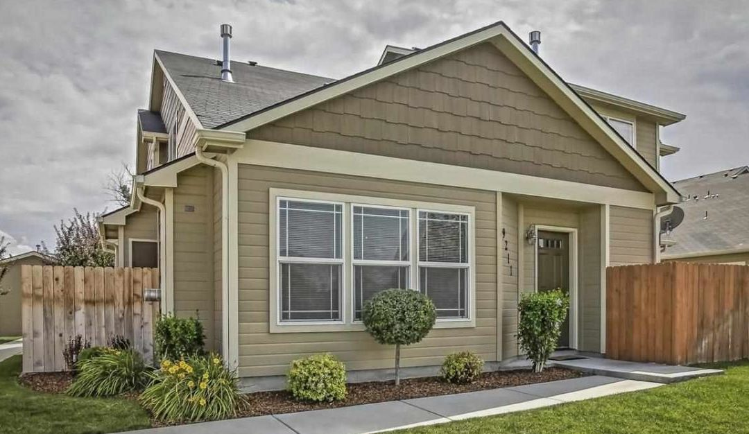 ADORABLE CONDO IN SW BOISE