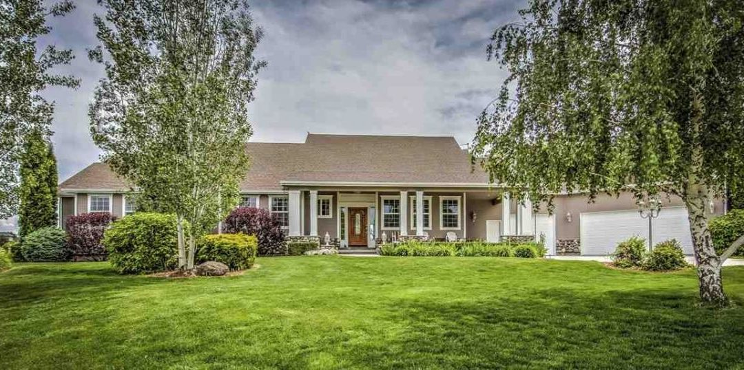 BEAUTIFUL 5 BEDROOM HOME ON 1.3 ACRES IN STAR, IDAHO FOR SALE